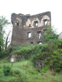 Říčanský hrad nedaleko naší léčebny zve na návštěvu